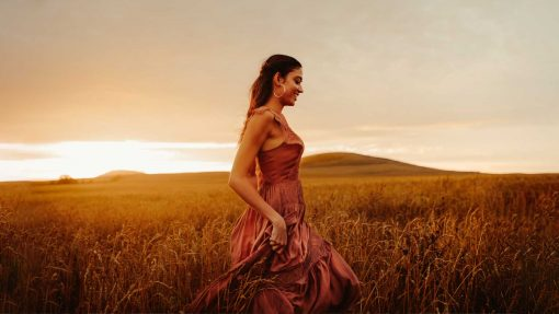 Stunning photography in a wheat field. Edited using the Golden Hour preset.