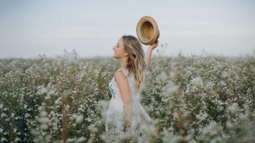 Running in the field - Light Airy Preset